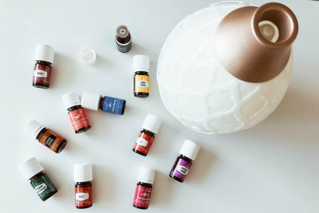 How to Use Essential Oils - Diffuser
