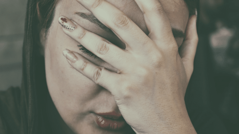 Migraines Linked to Hot Flashes and a Heart Disease Risk